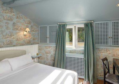 Chambre-classique-bain-bleu-1