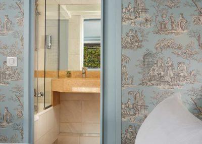 Chambre-classique-bain-bleu-3