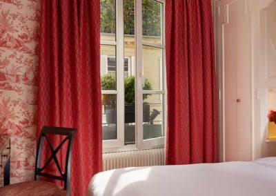 Hotel Saint Germain - Chambre classique-bain-rouge