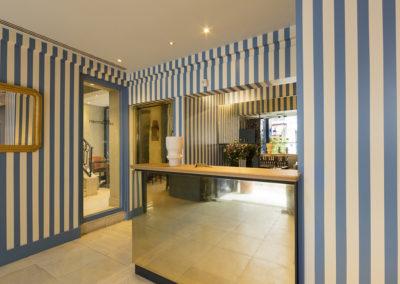 hotel-saint-germain-reception